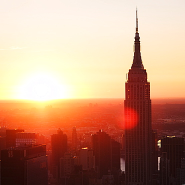 USA, New York State, New York City, Empire State Building at sunrise