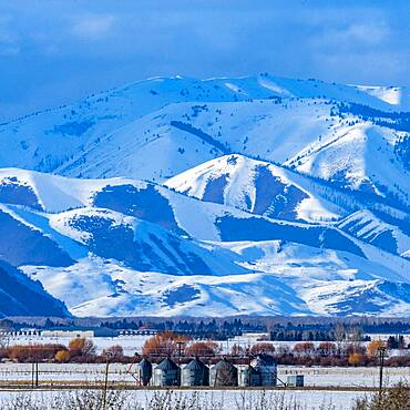 USA, Idaho, Bellevue, Scenic landscape of snowcapped mountains