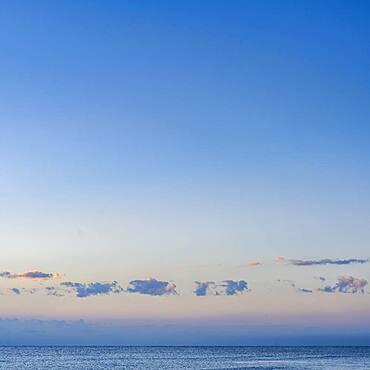 USA, Florida, Boca Raton, Blue sky and clouds above sea at sunset