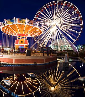USA, Illinois, Chicago, Ferris wheel and carousel at Navy Pier