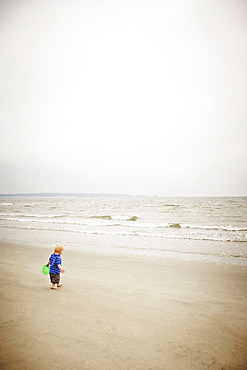 Child alone on the beach
