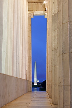 Washington DC - The Capitol seen from Lincoln Monument