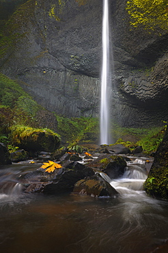 USA, Oregon, Marion County, View of Lattorelle Falls