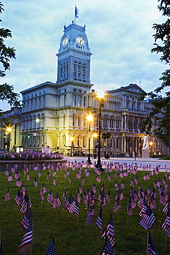 USA, Kentucky, Louisville, Facade of City Hall at morning