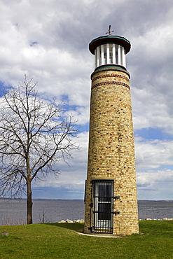 USA, Wisconsin, Oshkosh, Asylum Point Lighthouse by Lake Winnebago