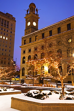USA, Ohio, Courthouse building in Winter, dusk, Canton