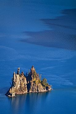 USA, Oregon, Crater Lake, Phantom Ship
