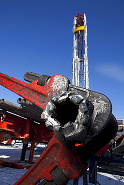 Pipe wrench on oil drilling rig