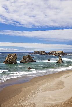 Seastacks along coastline, Bandon Beach, Oregon