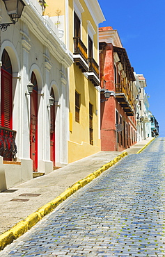 Puerto Rico, Old San Juan, Row of historic houses in Old Town