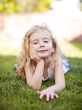 Outdoor portrait of happy young girl (4-5)
