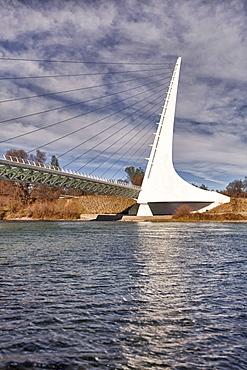 USA, California, Redding, turtle bay, sundial bridge over Sacramento river, USA, California, Redding