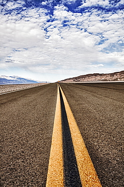 USA, California, Death Valley, Double Yellow Line, USA, California, Death Valley