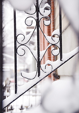 USA, New York State, Brooklyn, Williamsburg, railing covered with snow