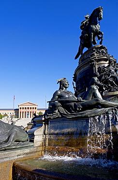 USA, Pennsylvania, Philadelphia, Neo-classical fountain