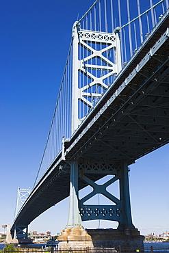 USA, Pennsylvania, Philadelphia, Suspension bridge, low angle view