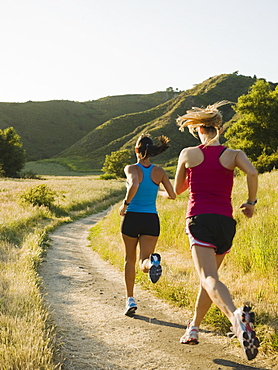 Two female trail runners