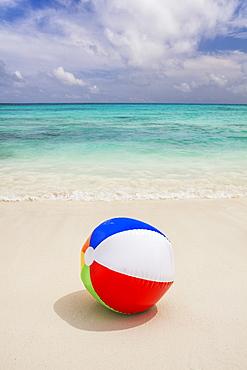 Mexico, Quintana Roo, Yucatan Peninsula, Cancun, Beach ball on sand, Mexico, Quintana Roo, Yucatan Peninsula, Cancun