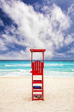 Mexico, Quintana Roo, Yucatan Peninsula, Cancun, Lifeguard tower on beach, Mexico, Quintana Roo, Yucatan Peninsula, Cancun