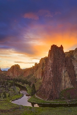 View of rock formation at sunset, USA, Oregon, Smith Rock State Park
