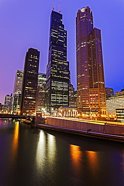 Willis Tower at night, USA, Illinois, Chicago, Chicago River
