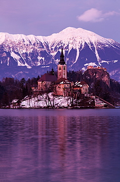 View of Church of the Assumption with lake and mountain, Slovenia, Bled, Church on the Lake, Church of the Assumption