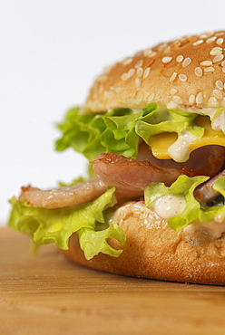 Cheeseburger with bacon and lettuce