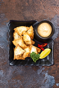 Fried fish appetizer with sauce