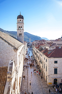 Croatia, Dubrovnik, Tourists in old town street