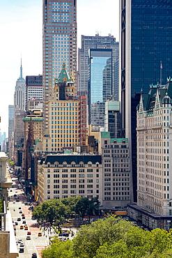 USA, New York, New York City, Skyscrapers in city center