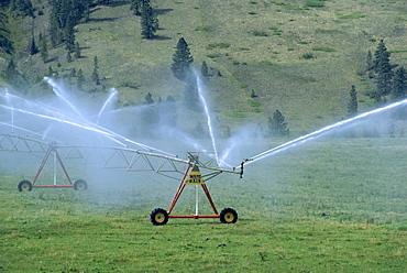 Pivot irrigation system, British Columbia, Canada, North America