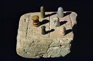 Chess board from Mohenjodaro, Karachi Museum, Pakistan, Asia