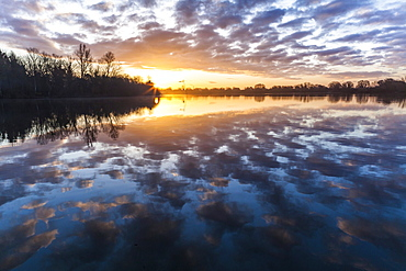 A beautiful sunrise at Bray Lake, Maidenhead, Berkshire, England, United Kingdom, Europe