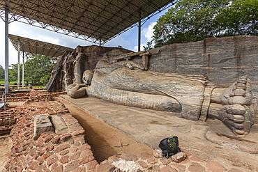 Reclining Buddha, Gal Vihara, Polonnaruwa, UNESCO World Heritage Site, Sri Lanka, Asia