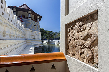 Entrance of the Temple of the Sacred Tooth Relic, UNESCO World Heritage Site, Kandy, Sri Lanka, Asia