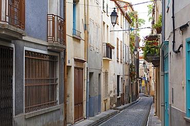 Old town streets, Ceret, Vallespir region, Pyrenees, France, Europe