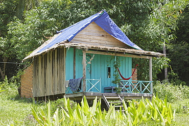 A local family's hut on Bamboo Island, Sihanoukville, Cambodia, Indochina, Southeast Asia, Asia