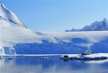 Port Lockroy, an old British Station, Now a museum, Wienke Island, Antarctica, Southern Ocean.