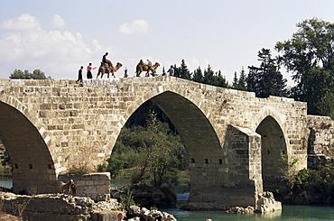 Seljuk bridge over Kopru river, near Aspendos, Antalya, Anatolia, Turkey, Asia Minor, Eurasia