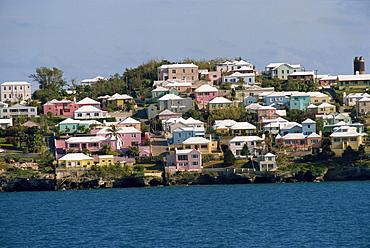 Typical pastel coloured coastal houses, Bermuda, Atlantic Ocean, Central America