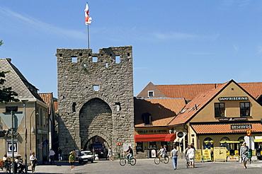 Medieval town gateway, Visby, Gotland, Sweden, Scandinavia, Europe