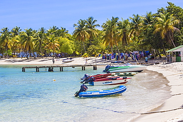 Saltwhistle Bay, Mayreau, The Grenadines, St. Vincent and The Grenadines, West Indies, Caribbean, Central America