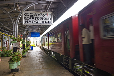 Train at Haputale Train Station, Sri Lanka Hill Country, Nuwara Eliya District, Sri Lanka, Asia