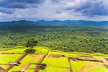Ruins of King Kassapa's Palace at the top of Sigiriya Rock Fortress (Lion Rock), UNESCO World Heritage Site, Sigiriya, Sri Lanka, Asia