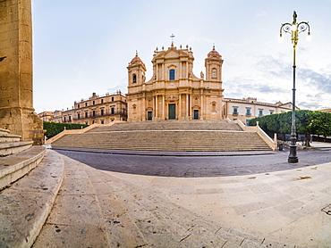 Piazza Municipio (Municipio Square), St. Nicholas Cathedral (Cattedrale di Noto) (Duomo), Noto, Val di Noto, UNESCO World Heritage Site, Sicily, Italy, Europe