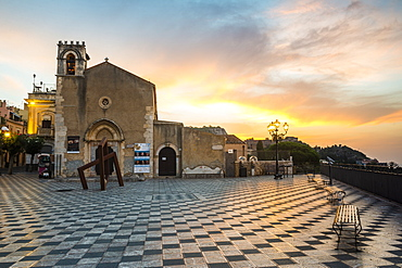 St. Augustine's Church, sunrise in Piazza IX Aprile, Corso Umberto, the main street in Taormina, Sicily, Italy, Europe
