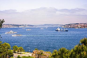 Bosphorus Strait, with European Istanbul on left and Asian Istanbul on right, Istanbul, Turkey, Europe, Eurasia