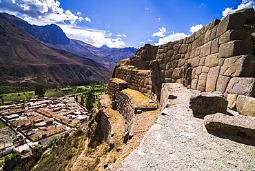 Inca Ruins of Ollantaytambo, Sacred Valley of the Incas (Urubamba Valley), near Cusco, Peru, South America