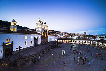 Plaza de San Francisco and Church and Convent of San Francisco at night, Old City of Quito, UNESCO World Heritage Site, Ecuador, South America