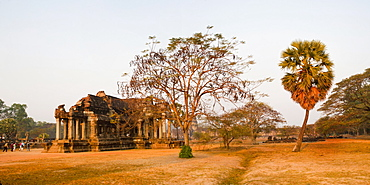 Panoramic hoto of Angkor Wat Library, Angkor Wat Temple Complex, UNESCO World Heritage Site, Siem Reap, Cambodia, Indochina, Southeast Asia, Asia